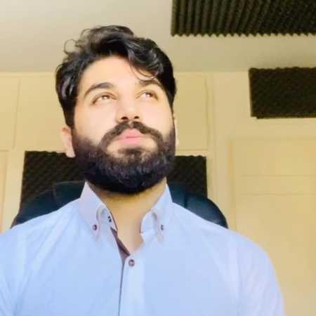 علی صدیقی زده به سرم اسمتو هرجا که میشینم میبرم